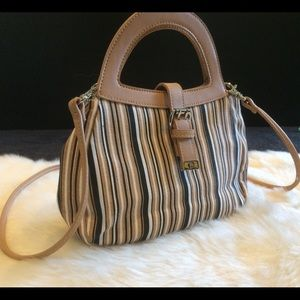 Etienne Aigner small crossbody purse 😍
